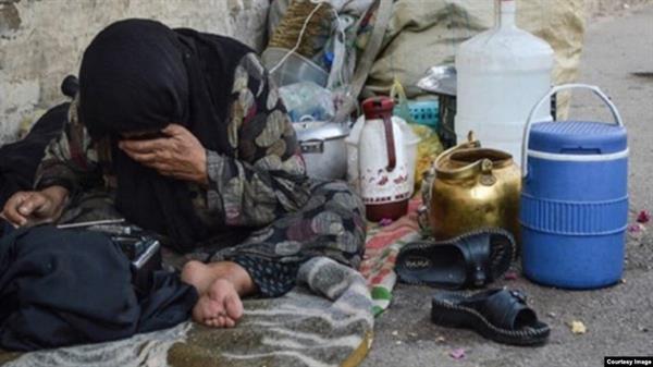 سیاسەتی چەوت و هەڵەی ئابووری کۆماری ئیسلامی  گوزەرانی خەڵکی کردووەتە جەهەننەم!